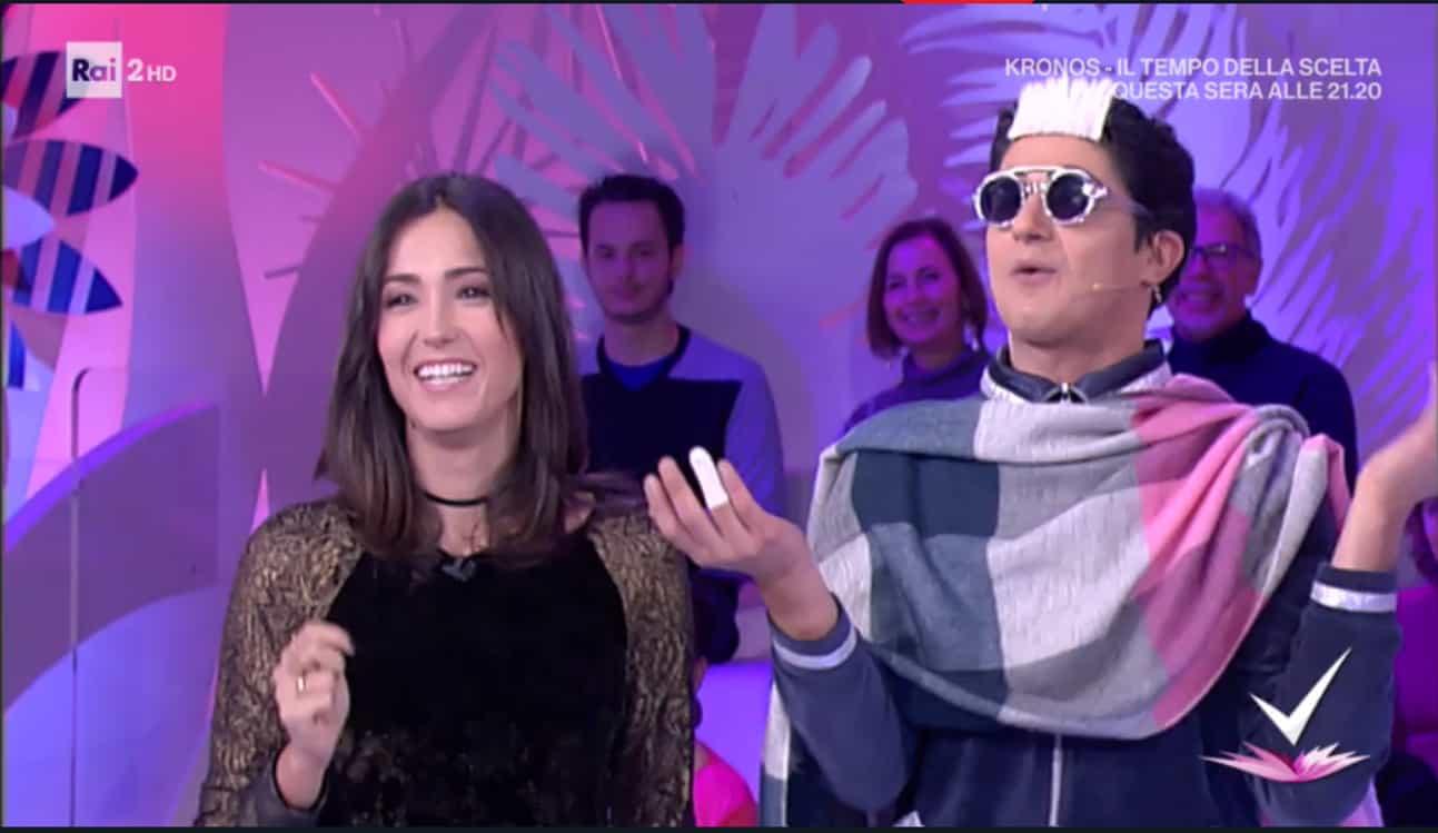 Detto Fatto, il look di Caterina Balivo ed i tutorial di oggi, venerdì 13 gennaio 2018
