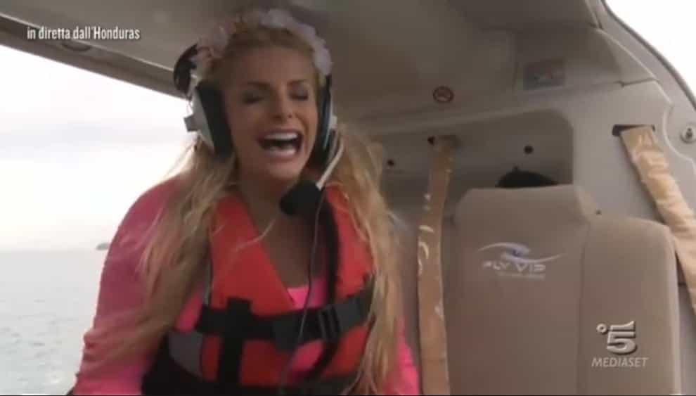 Isola dei famosi 2018: brutta avventura in elicottero per Francesca Cipriani