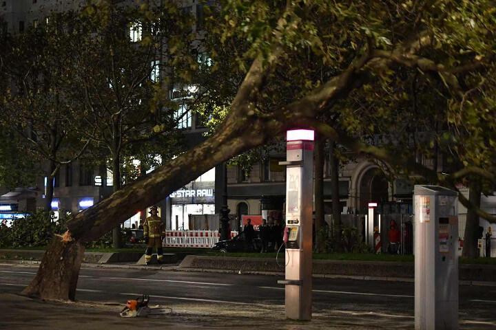 Europa: tempesta di vento fino a 200 km orari. 9 morti tra Germania, Olanda e Belgio