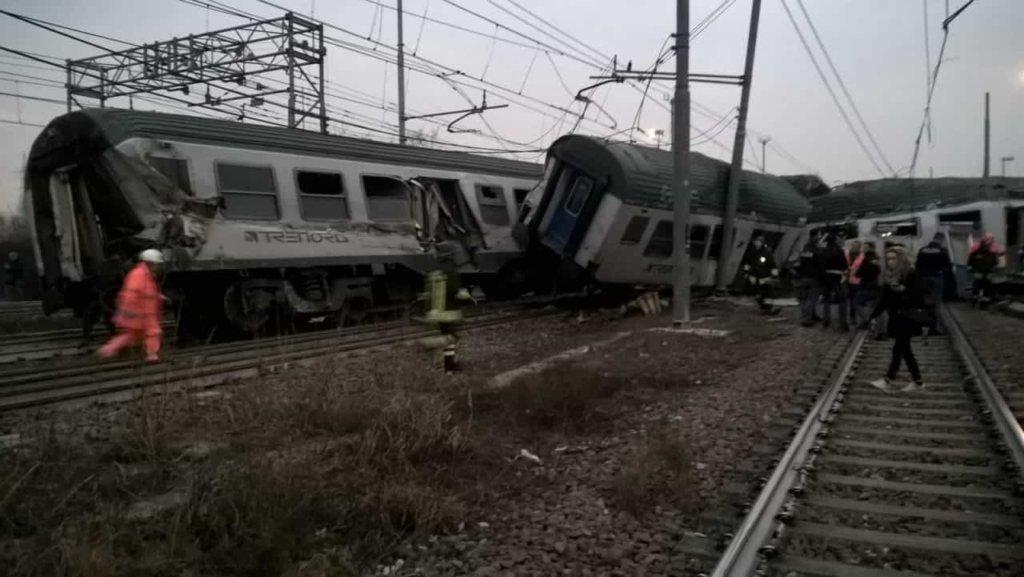 Cronaca Milano: treno Trenord deragliato a Pioltello. Morte tre donne, 46 feriti di cui cinque molto gravi