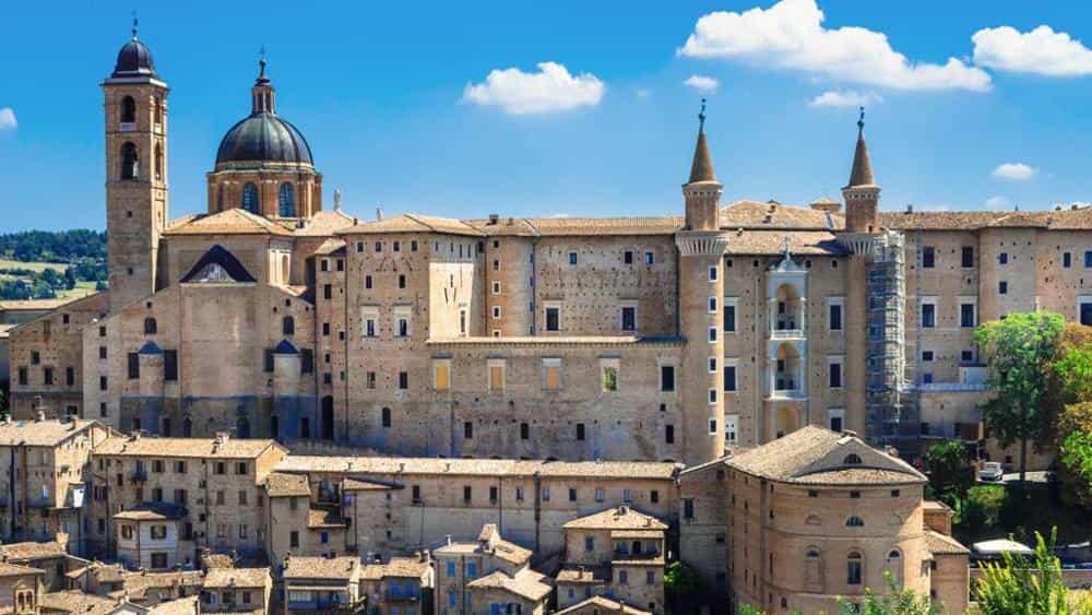 Sereno Variabile, le anticipazioni di oggi sabato 20 gennaio 2018: tappa a Urbino!