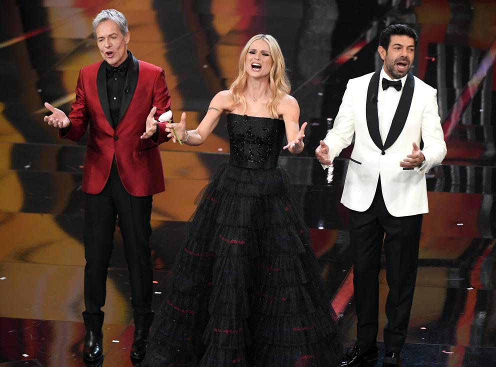 Sanremo 2018: nella serata finale gli outfit di Armani Privè per Michelle Hunziker!