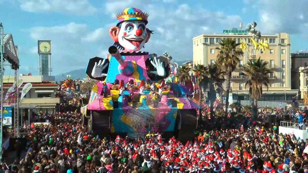 Carnevale di Viareggio 2018: in attesa del quarto Corso il concerto benefico della JC Band!