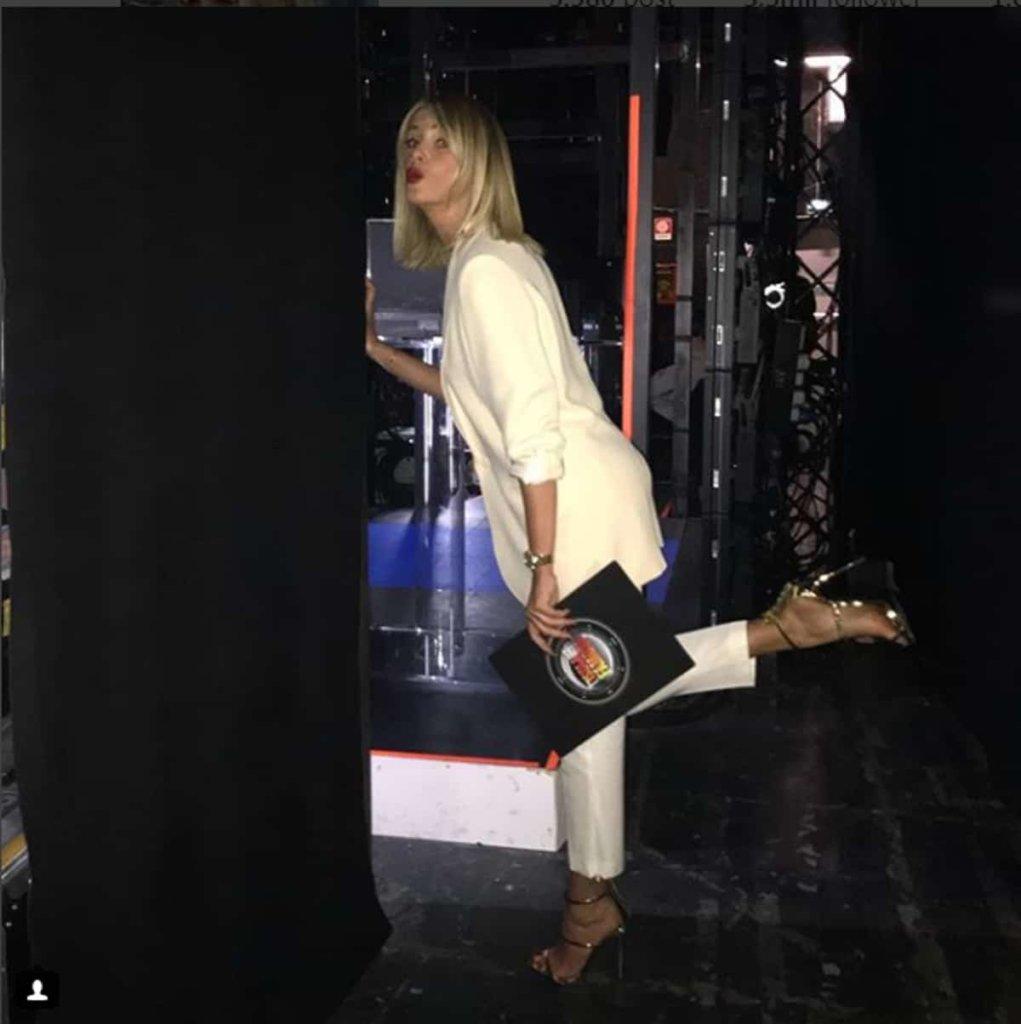 Alessia Marcuzzi: il look di oggi martedì 20 febbraio 2018, all'Isola dei Famosi 2018