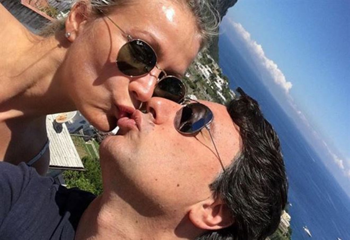 Isola dei Famosi 2018: il marito di Eva Henger accusa la redazione del reality su Instagram
