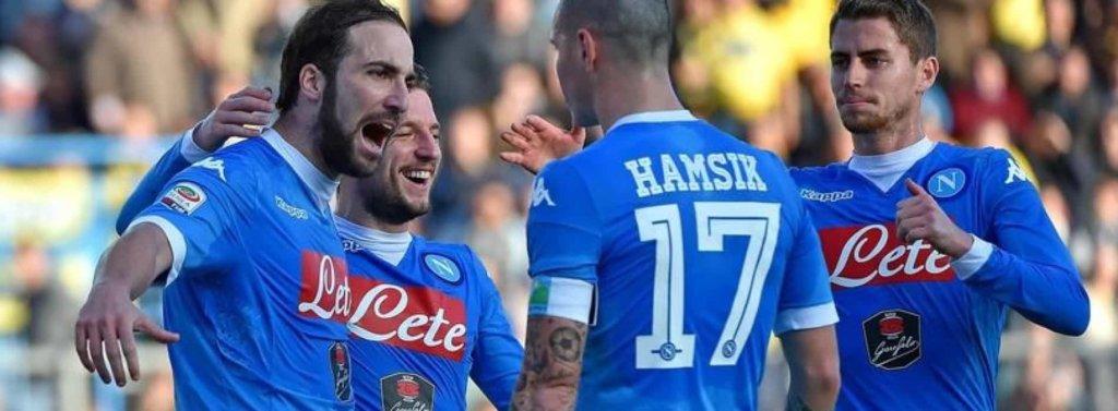 Serie A: si gioca l'anticipo che inciderà sulla classifica, è sfida Napoli-Lazio. 1 a 1 al San Paolo!