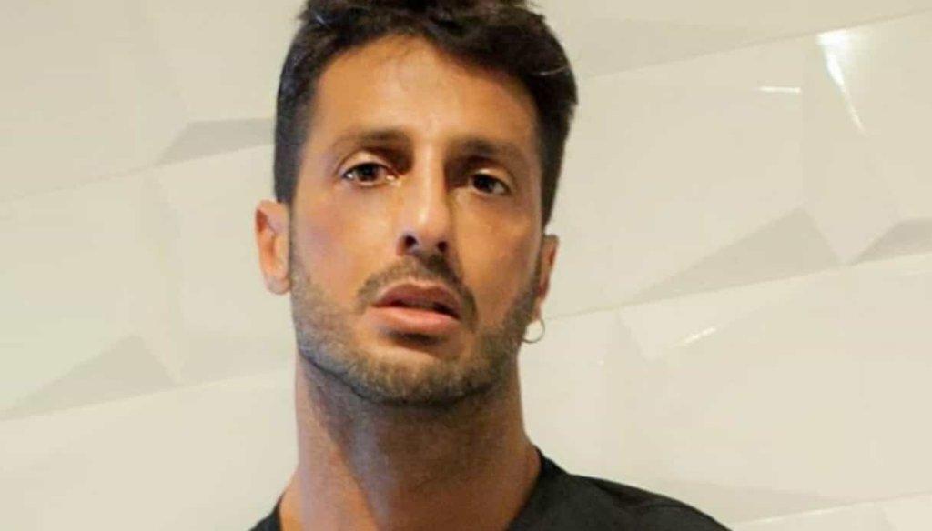 Fabrizio Corona rischia di ritornare in carcere, ha violato le prescrizioni dell'affidamento