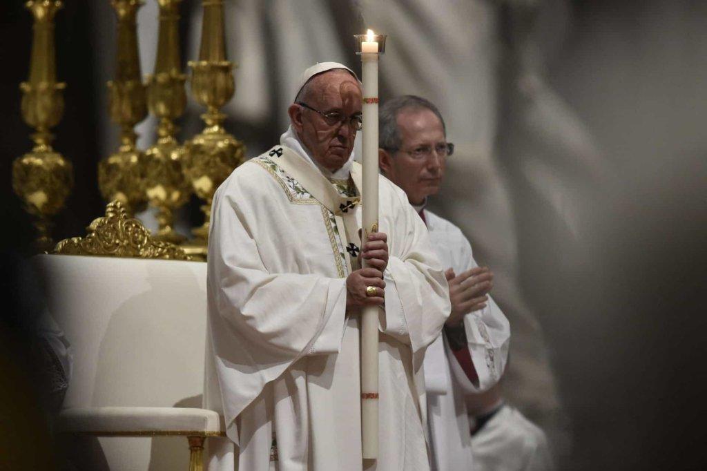 Papa Francesco: oggi sabato 31 marzo 2018 la veglia pasquale. Come seguire le celebrazioni liturgiche