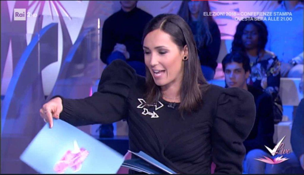 Detto Fatto, il look di Caterina Balivo ed i tutorial di oggi, 1 marzo 2018