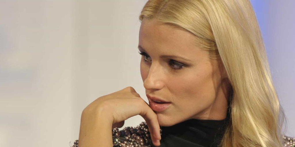 Michelle Hunziker replica alle accuse per non aver dedicato alcun omaggio a Fabrizio Frizzi