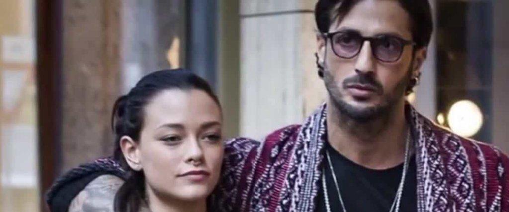 Silvia Provvedi racconta le sue paure su Fabrizio Corona in un'intervista