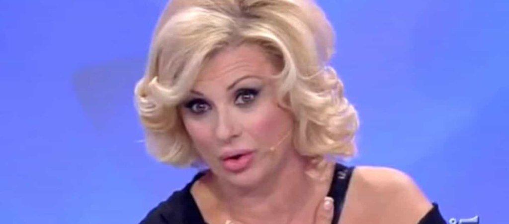Uomini e Donne: Tina Cipollari non più solo opinionista... diventa tronista!