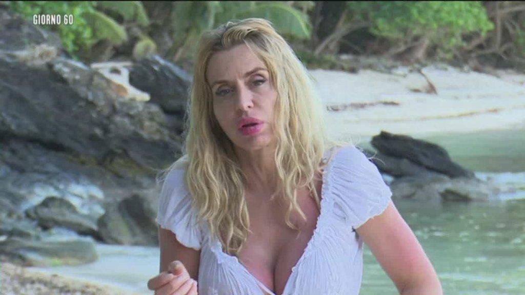 Isola dei Famosi 2018: la lite tra Valeria Marini e Alessia Mancini