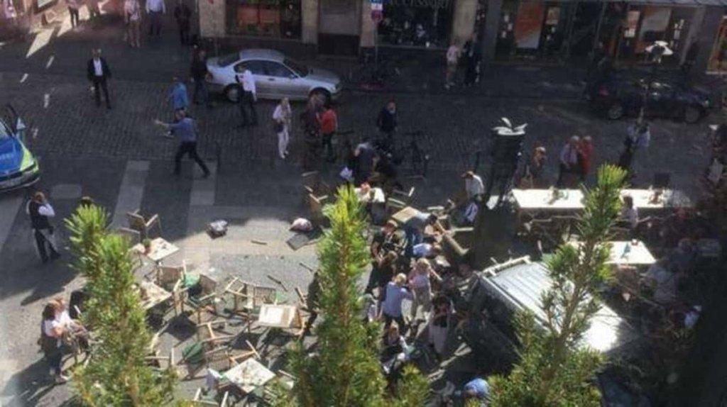 Terrorismo, camion su folla a Münster: 3 morti ed almeno 50 feriti
