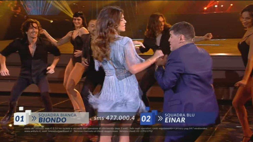Amici 2018 Ed. 17, il ballo a sorpresa tra Belen Rodriguez e Maradona!