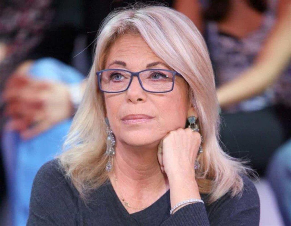 Rita Dalla Chiesa, risponde alle critiche ricevute per la sua vicinanza alla moglie di Fabrizio Frizzi