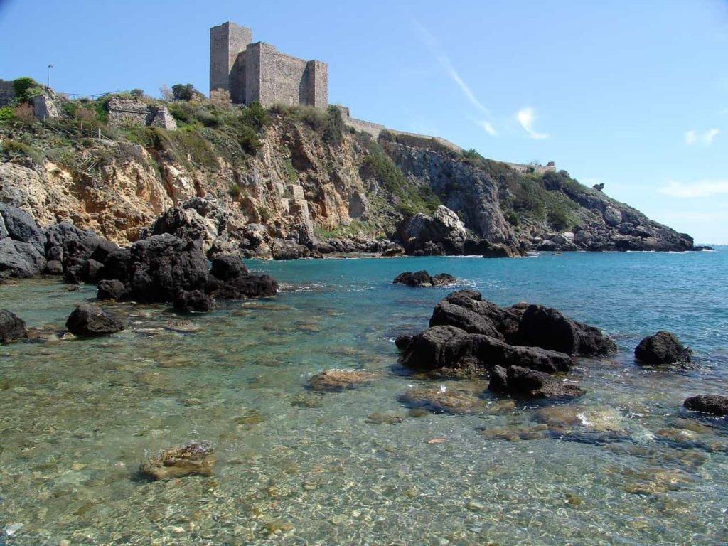 Linea Blu, anticipazioni oggi sabato 26 maggio 2018: alla scoperta di Talamone e dell'isola del Giglio