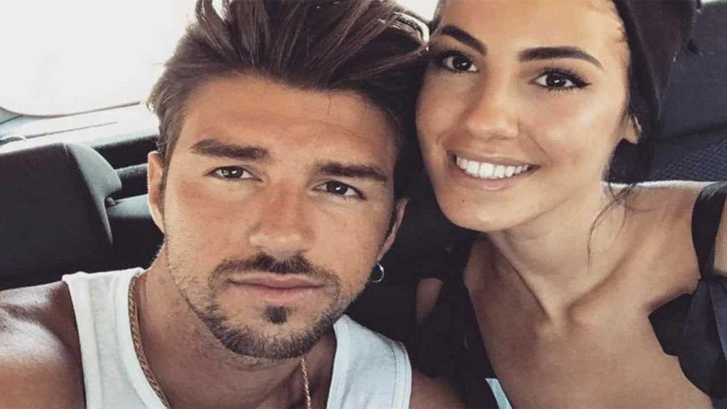 Andrea Damante ammette di essere ancora innamorato di Giulia De Lellis. Ma lei dice di star bene da sola