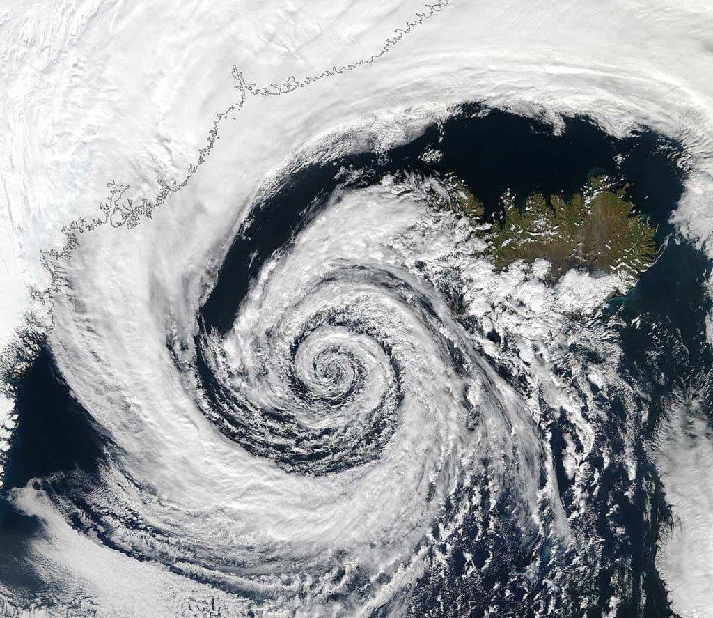 Previsioni meteo weekend: in arrivo il ciclone Islandese con temporali e neve