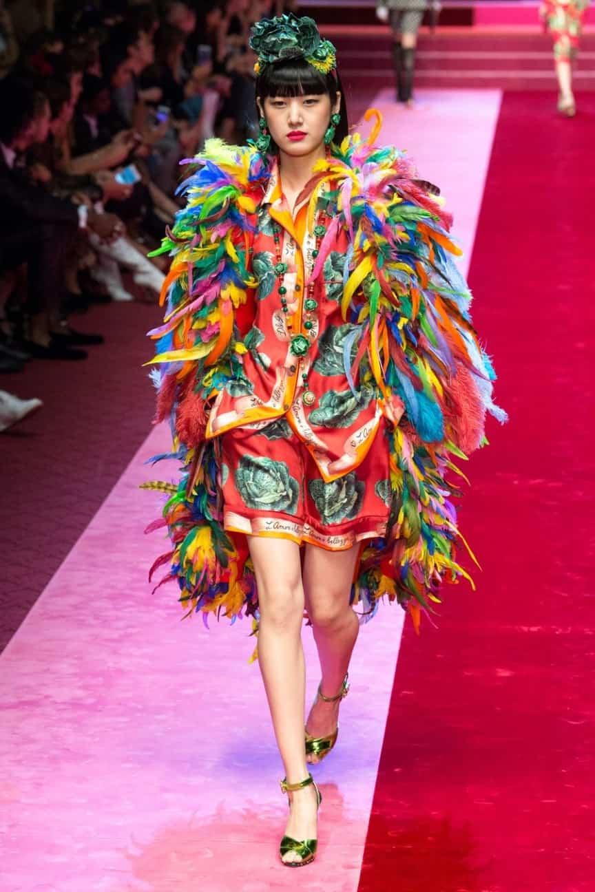 Da Burberry a Missoni a Dolce e Gabbana  vestirsi di tutti i colori  dell arcobaleno! 45bb877dca1