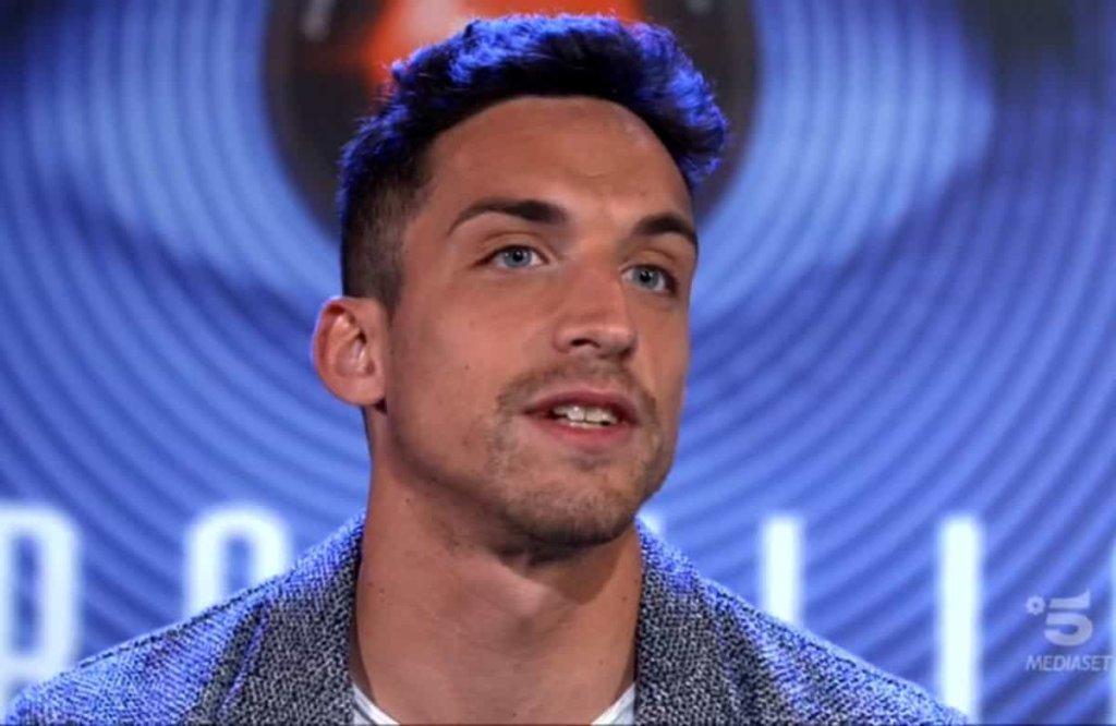 Grande Fratello Ed. 15: la reazione di Matteo Gentili alla notizia che Paola Di Benedetto è single