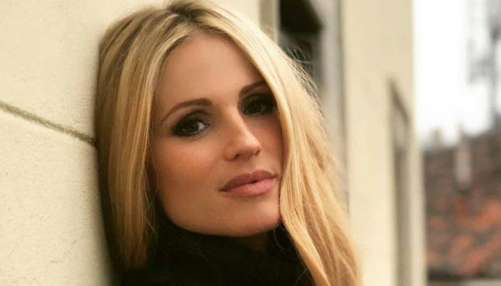Michelle Hunziker è incinta del quarto figlio? Pancino sospetto all'ultima puntata di Vuoi Scommettere