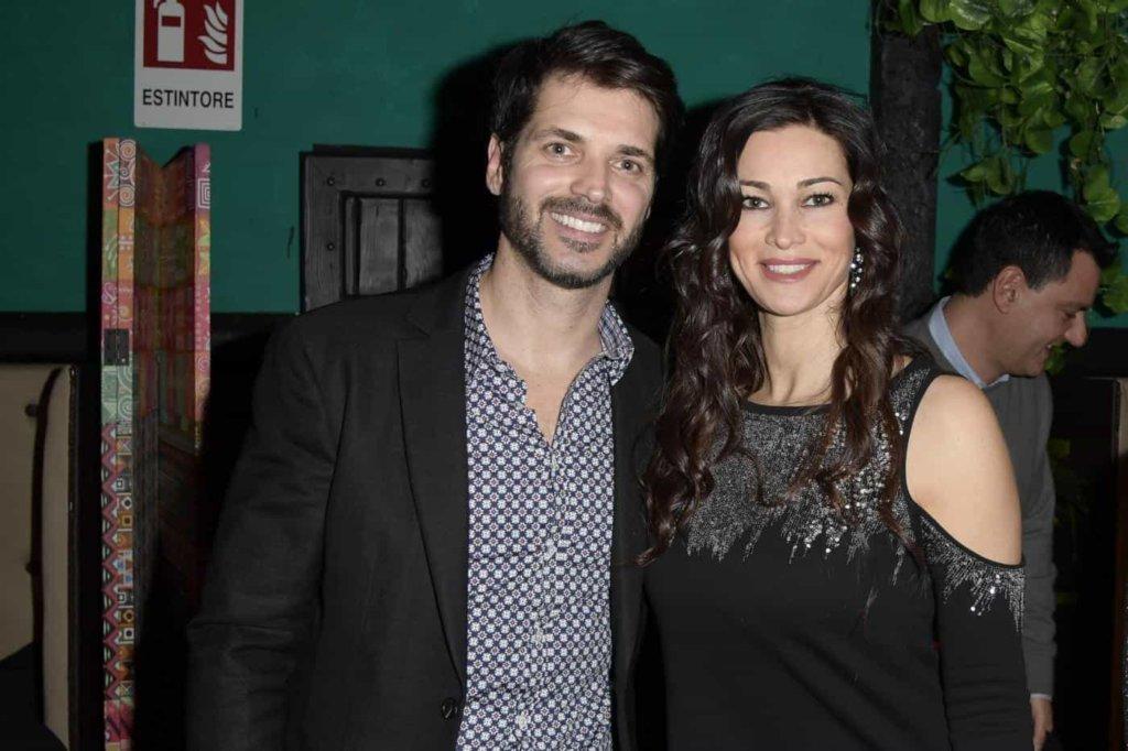 Grande Fratello Vip: Manuela Arcuri accetterebbe a condizione che ci sia il fratello Sergio