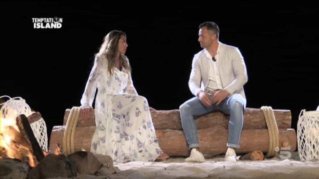Temptation Island 2018: falò di confronto tra Ida e Riccardo nella terza puntata di ieri 23 luglio 2018