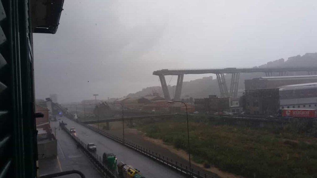 Genova, crollato ponte Morandi sulla A10: tra i morti anche un bambino!