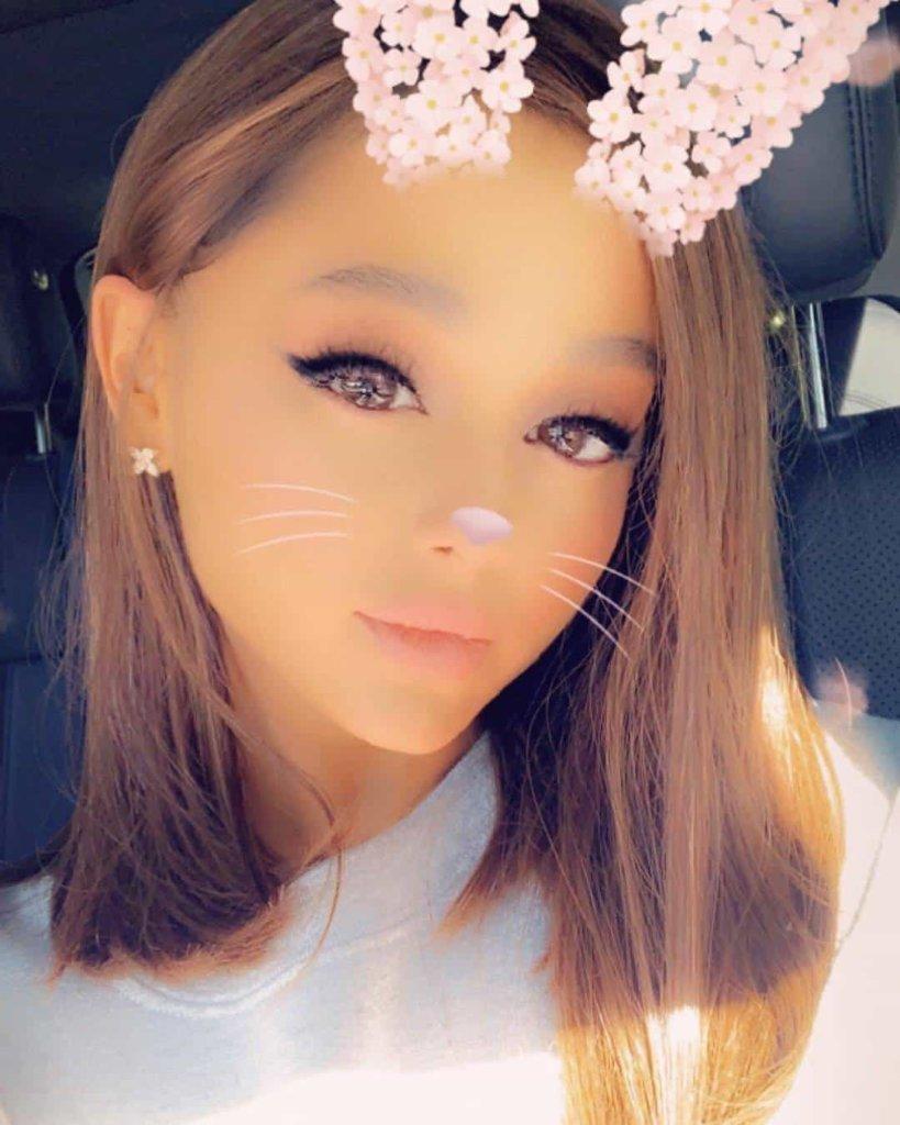 Tagli capelli medi autunno 2018: anche Ariana Grande sceglie il collarbone cut
