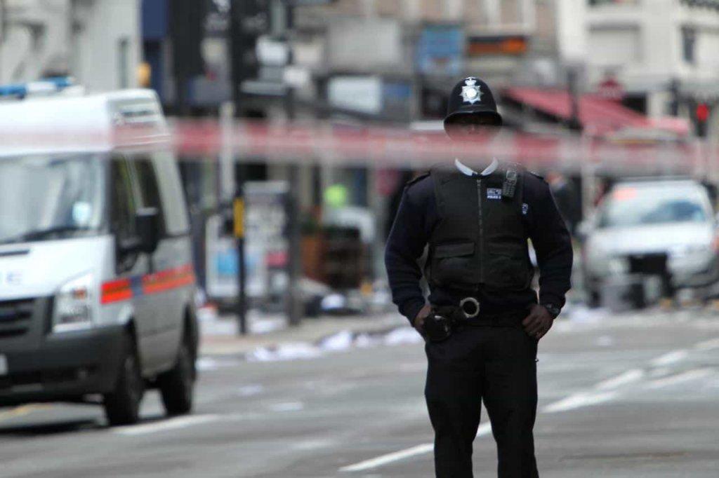 polizia_inglese-min