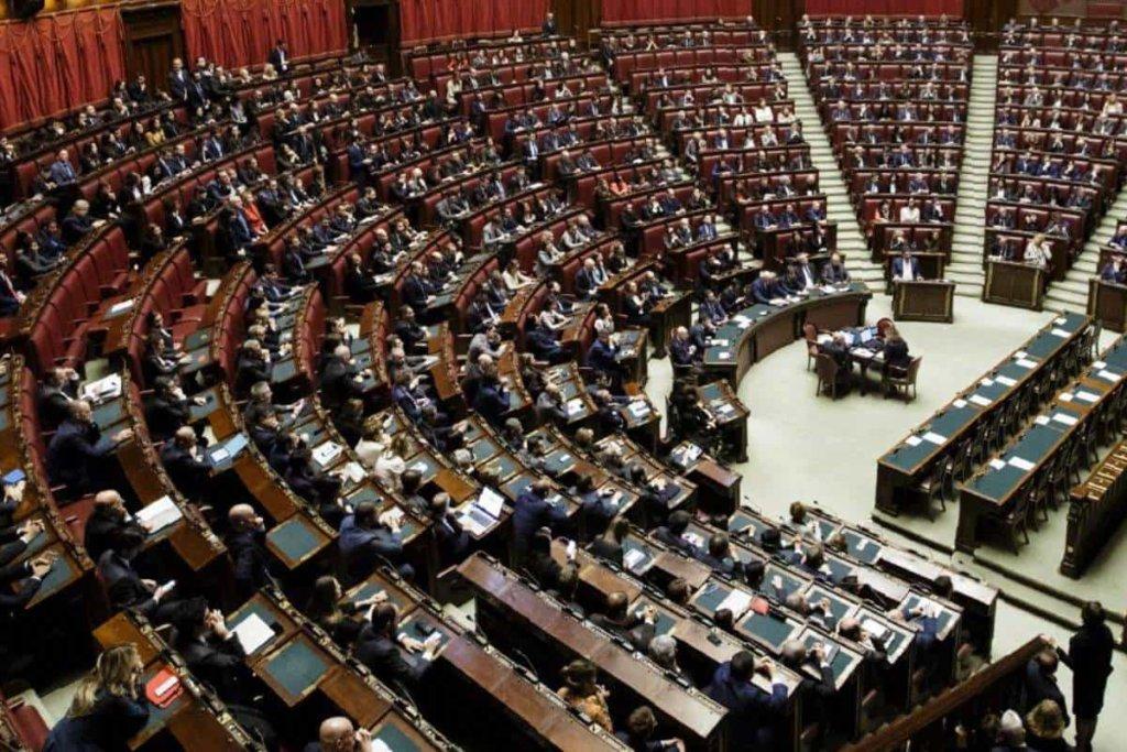 Approvate alla Camera le norme sulla riduzione del numero di parlamentari